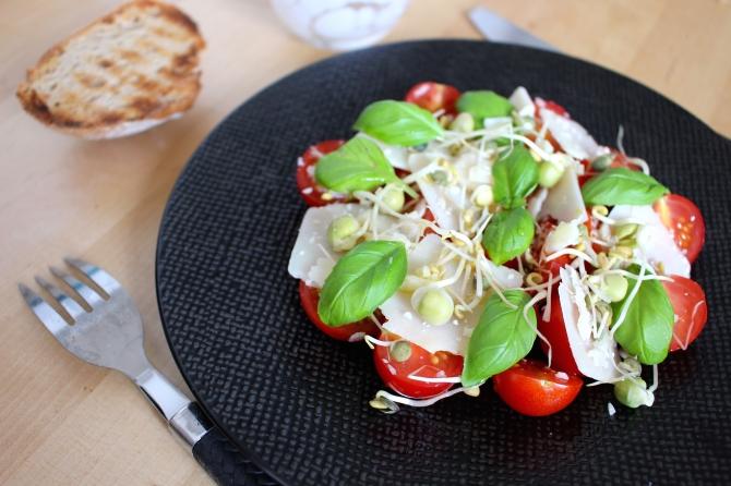 Salade tomates et parmesan