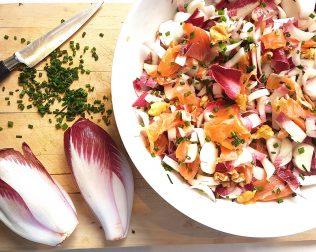 Salade d'endives aux noix et saumon fumé